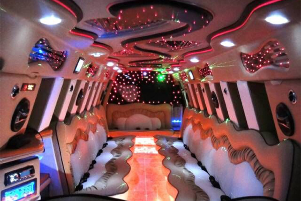 14 Person Escalade Limo Services Los Angeles